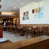 Photo taken at Pizza Hut by Ronieder on 9/16/2012