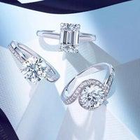 Photo taken at De Beers Diamond Jewelers by 🐾 🐩 Philanthropist V. on 3/10/2015