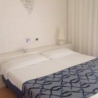 Foto scattata a Hotel Luxor Rimini da Alessia B. il 9/22/2013