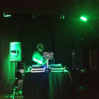 Photo taken at Ernie Biggs Chicago Style Dueling Piano Bar by Ed D. on 4/25/2012