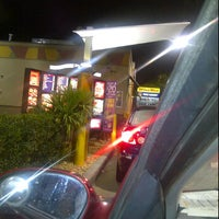 Photo taken at Taco Bell / Pizza Hut by Nuriko P. on 12/14/2011