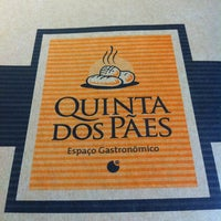 Photo taken at Quinta dos Pães by Henrique Chigueo I. on 5/25/2012