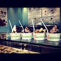 Photo taken at Pinkberry by Melba on 8/25/2012