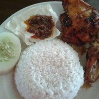 Photo taken at Nutran, Nasi Uduk Trangkil by Wijaya T. on 3/4/2012