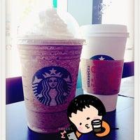 Photo taken at Starbucks by 💕i /@yumyum.in.the.tumtum on 9/4/2013