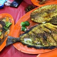 Photo taken at Santiga Seafood (Abeng) by Githa P. on 1/9/2016