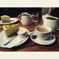 Photo taken at Frasers Cafe & Espresso by Kalana D. on 7/1/2015