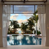Photo taken at Gansevoort Turks & Caicos by Jay F. on 4/13/2013