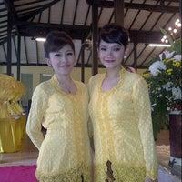 Photo taken at Pandan Hijau Restoran by mumu m. on 4/13/2013
