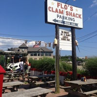 Photo taken at Flo's Clam Shack by Jay E. on 7/15/2013