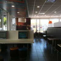 Photo taken at McDonald's by Beatriz on 3/8/2013