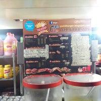 Photo taken at Yazid Burger by Mohd Hafiz A. on 3/14/2013