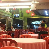 Photo taken at Jeti Kuala Selangor Seafood Restaurant by Romance G. on 4/5/2016