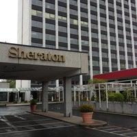 Photo taken at Sheraton Frankfurt Congress Hotel by Fahri on 5/4/2013