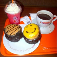Photo taken at Dunkin' Donuts by Tantri S. on 9/25/2012