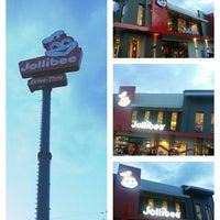 Photo taken at Jollibee Drive Thru  Carmen by emi p. on 10/15/2014