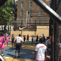 Photo taken at West 4th Street Courts (The Cage) by Jeroen B. on 8/14/2016