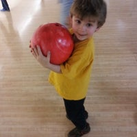 Photo taken at 4th Street Bowl by Darlene A. on 2/17/2013