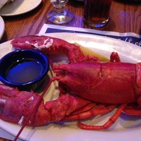 Photo taken at Legal Sea Foods - Kendall Square by Julien P on 11/11/2012