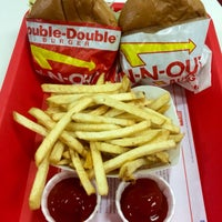Photo taken at In-N-Out Burger by Karsten M. on 3/7/2015
