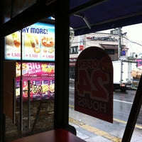Photo taken at Taco Bell by hoya_t on 4/20/2013