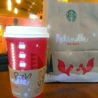 Photo taken at Starbucks by Ritzyl C. on 12/26/2012