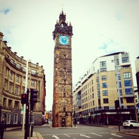 Photo taken at Glasgow Cross by Vivi N. on 6/11/2014