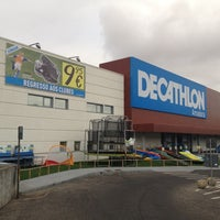 Photo taken at Decathlon by Tiago Q. on 9/25/2012