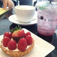 Photo taken at Dean & DeLuca by Ning V. on 2/8/2013