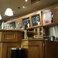 Photo taken at The Coffee Bean & Tea Leaf by pambudi on 1/7/2017