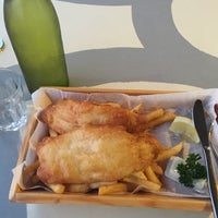 Photo taken at Aristos Waterfront Rottnest Fish Cafe by Norman Vincent R. on 11/3/2015