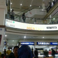 Photo taken at Jogjatronik by Fatwa Riawan F. on 6/16/2013