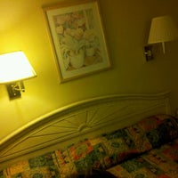 Photo taken at Travelodge by Leo T. on 10/15/2011