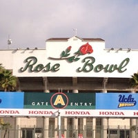 Photo taken at Rose Bowl Stadium by Taylor on 10/3/2013