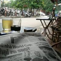 Photo taken at Café Cây Bàng Đổ by Dat N. on 6/11/2014