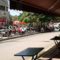 Photo taken at Café Cây Bàng Đổ by Dat N. on 6/2/2014
