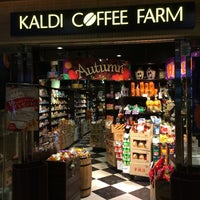 Photo taken at KALDI COFFEE FARM アトレ大井町2 by Leon Tsunehiro Yu-Tsu T. on 9/14/2014