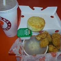 Photo taken at Popeyes Chicken & Biscuits by Jesse S. on 6/3/2013