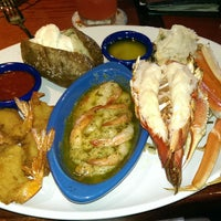 Photo taken at Red Lobster by Stephanie W. on 3/1/2015