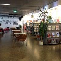 Photo taken at Kirjasto 10 by Hannu K. on 7/11/2014