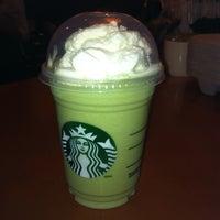 Photo taken at Starbucks by MONTREALiN on 7/29/2013
