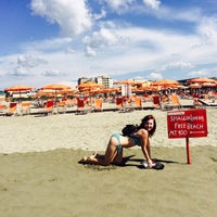 Photo taken at Lido Beach Spiaggia Libera Lido Di Camaiore by Кузя on 9/20/2015