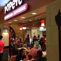 Photo taken at Popeyes Louisiana Kitchen by Gary R. on 5/10/2013