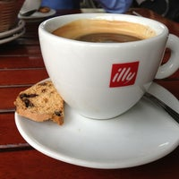 Photo taken at Espressamente illy by Raul on 1/17/2013