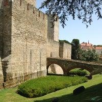 Photo taken at São Jorge Castle by Flavia on 7/7/2013