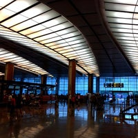 Photo taken at Changi Airport Terminal 2 by yeohyc on 2/9/2013