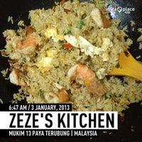 Photo taken at Zeze's Kitchen by Z Z. on 1/2/2013
