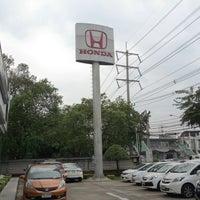 Photo taken at Honda Rama 3 by Peerapong A. on 1/28/2013