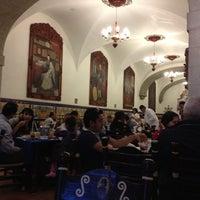 Foto tomada en Café de Tacuba por Jossue el 11/19/2012