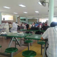 Photo taken at Sekolah Yayasan Sultan Haji Hassanal Bolkiah by Suzuki H. on 7/2/2013